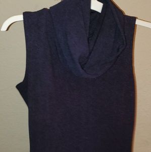 Navy sleeveless turtle neck shirt